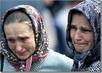 two_women_iraq_invasion